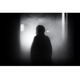 夜の女性のひとり歩き